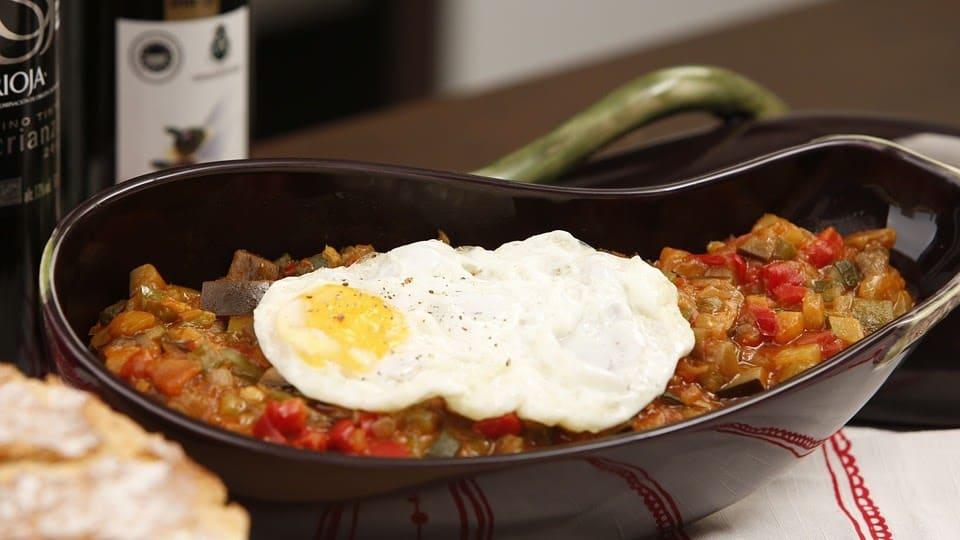 Cómo cocinar de forma sencilla la auténtica receta de pisto manchego